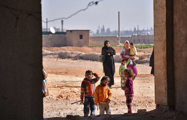 Syrische Familien in Jibreen, Aleppo. (Symbolbild) Foto: GEORGE OURFALIAN/AFP/Getty Images