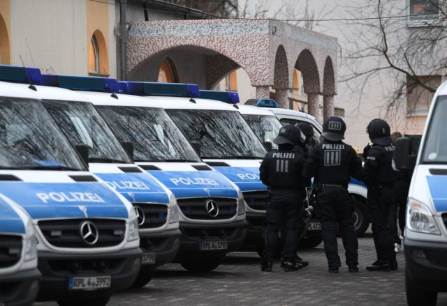 Razzia gegen radikalen Islamismus in Deutschland. (Symbolbild) Foto: BORIS ROESSLER/AFP/Getty Images