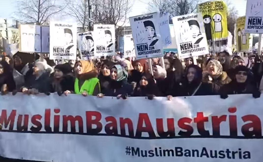 Wien: Demo für Kopftuch und gegen Integrationspaket – Muslimische Frauen fordern Freiheit