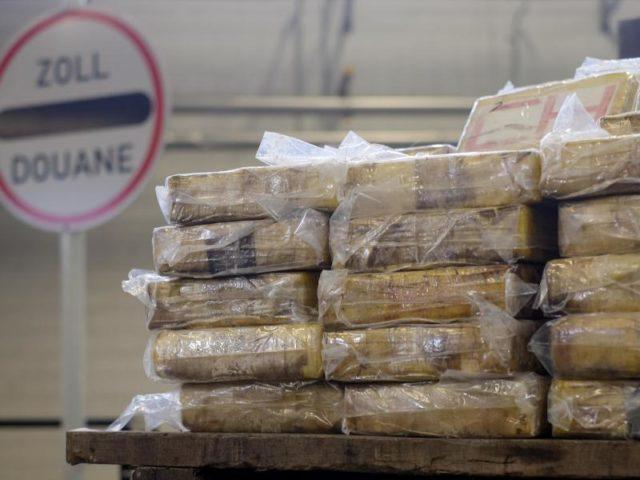 Eine Menge Stoff: Päckchen mit Kokain lagern am in Hamburg bei der Zollbehörde. Im Hafen waren 717 Kilo Kokain der Droge entdeckt worden. Foto:Axel Heimken/dpa