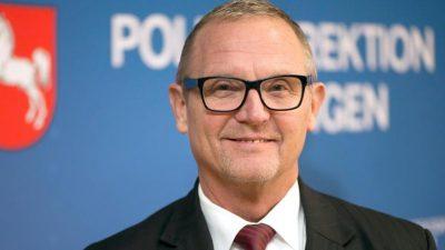 Nach öffentlicher Corona-Kritik wird Göttingens Polizeipräsident gefeuert