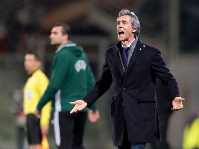 Trainer Paulo Sousa von Florenz ist nicht zufrieden mit seinem Team. Foto: Marius Becker/dpa