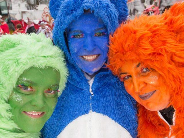 Auch Glücksbären waren am «Ossensamstag» anzutreffen. Foto: Friso Gentsch/dpa