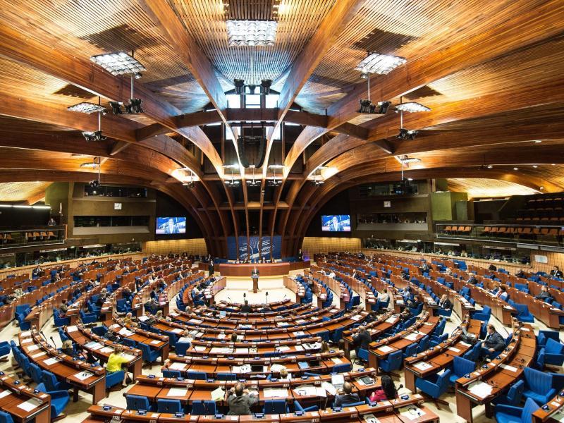 Europarats-Parlamentarier heben nach heftigen Debatten Sanktionen gegen Russland auf