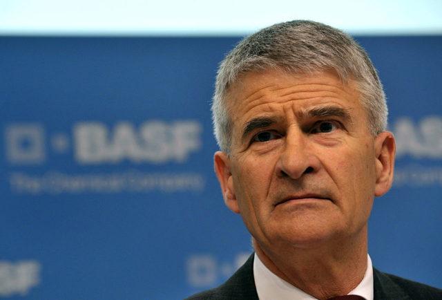 Der Aufsichtsratsvorsitzende des Chemiekonzerns BASF, Jürgen Hambrecht. Foto: SASCHA SCHUERMANN/AFP/Getty Images