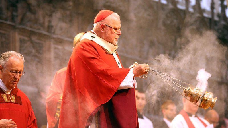 """Katholische Kirche an """"totem Punkt"""" angekommen: Kardinal Marx bietet Papst Rücktritt an"""