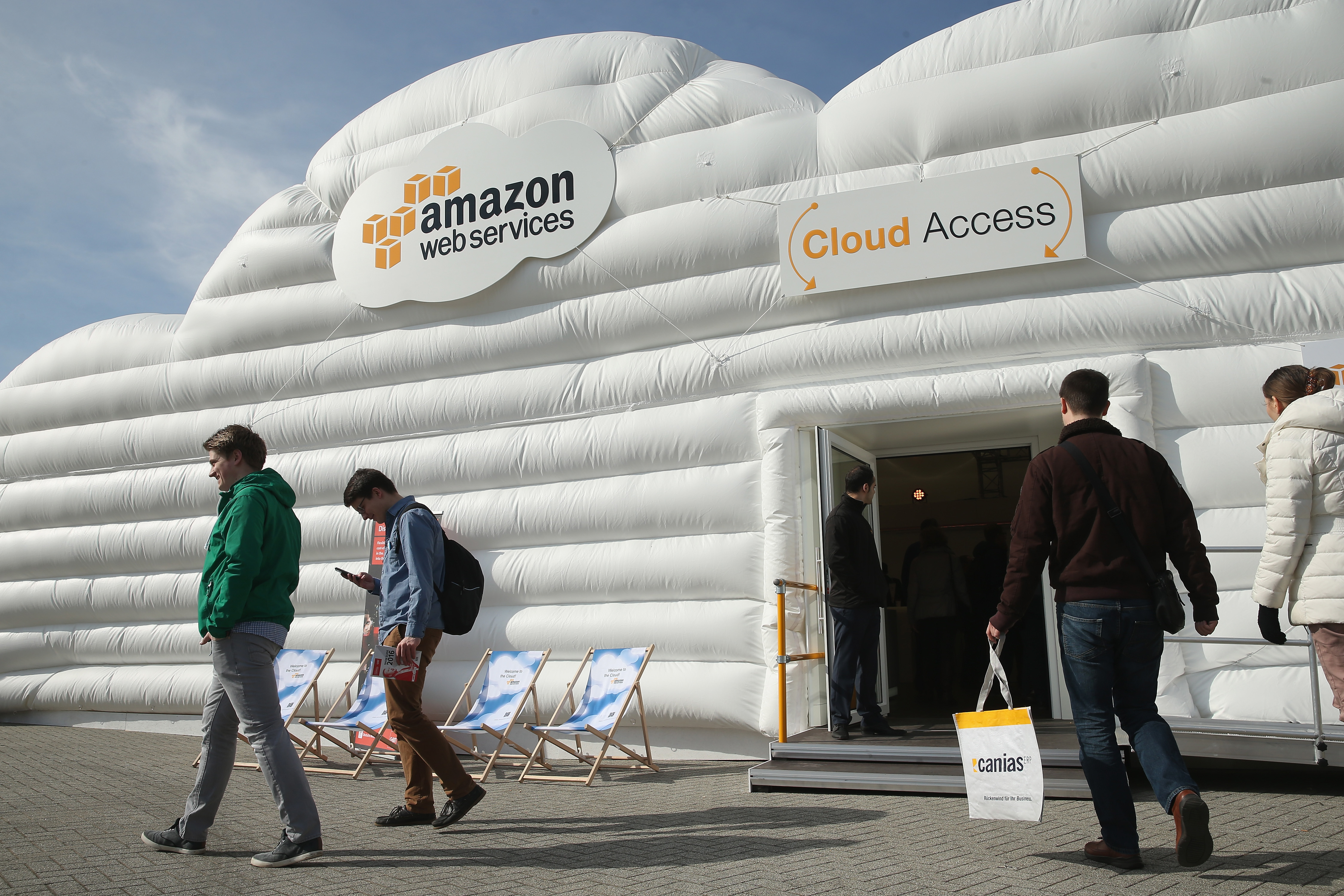 Wegen Tippfehler: Amazon-Mitabeiter schaltet Internet teilweise ab