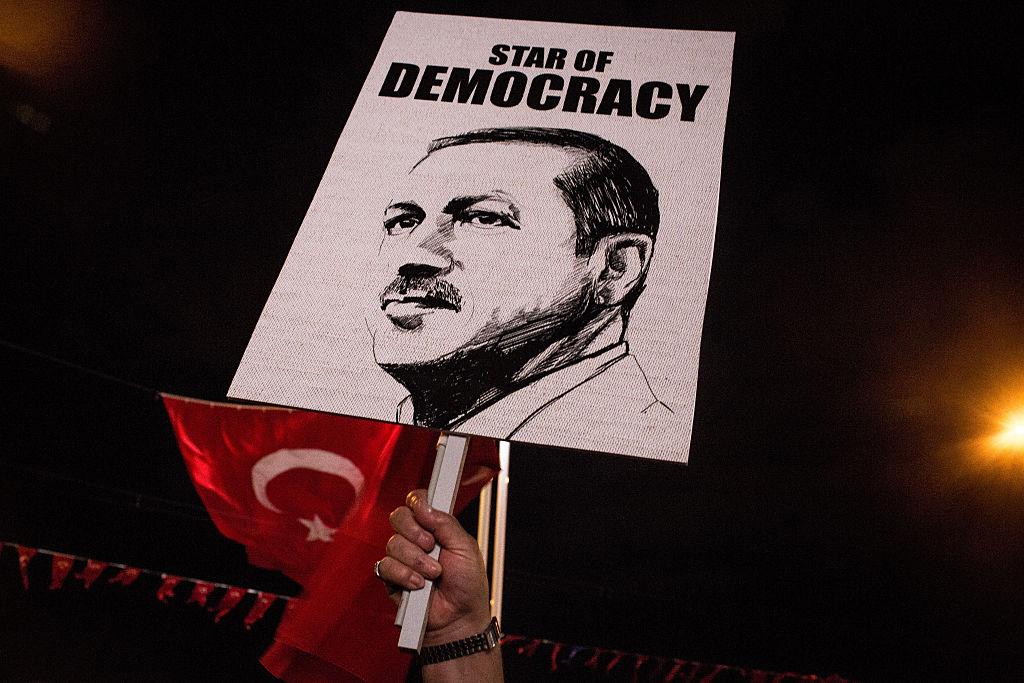 Erdogan und sein Außenminister überziehen Niederlande mit Faschismusvorwürfen