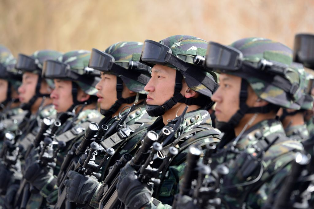 China: Bewaffnete Volkspolizei soll zukünftig nur noch dem Militär ...