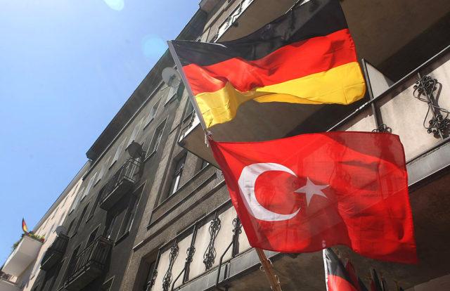 Deutschland und Türkei Flagge Foto: Sean Gallup/Getty Images