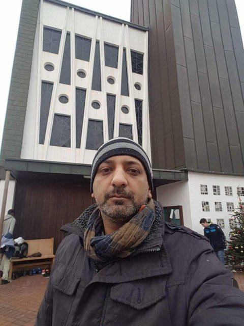 Shams Ul Haq vor Salafisten -Moschee in Bremen