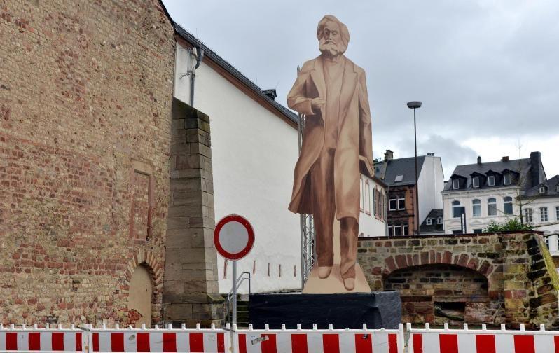 """Marx als Monumental-Statue: Trier nimmt """"Geschenk"""" des kommunistischen China an"""