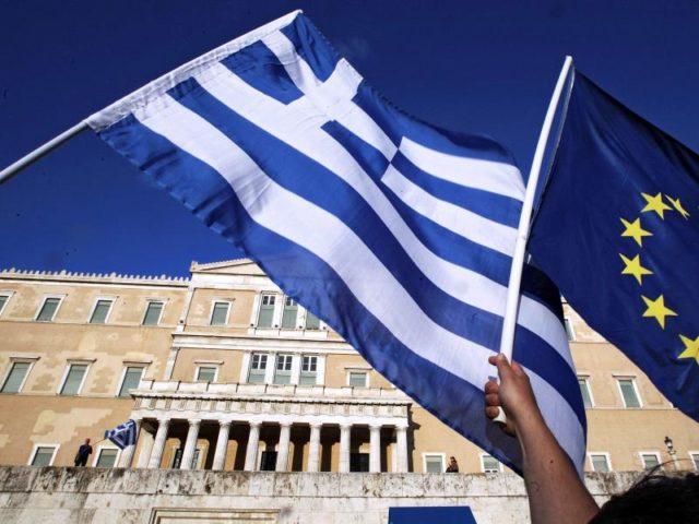 Griechenland wird seit 2010 mit milliardenschweren internationalen Hilfskrediten vor der Staatspleite bewahrt. Foto:Simela Pantzartzi/dpa