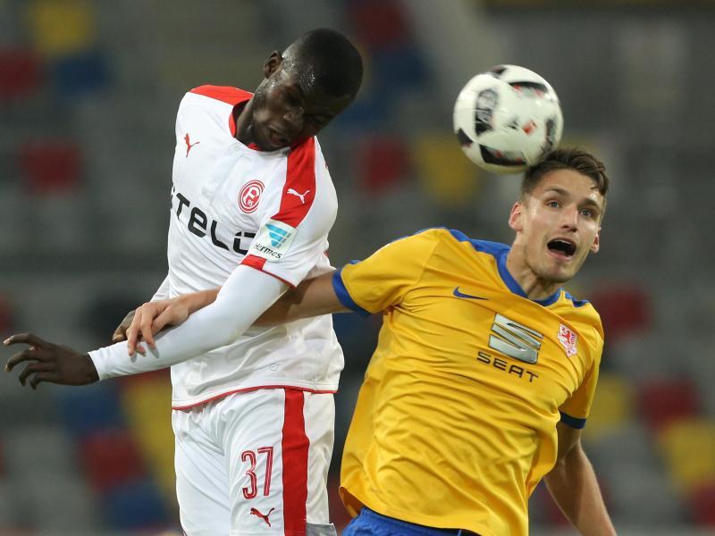 Hernandez schießt Braunschweig zum 2:1-Sieg in Düsseldorf