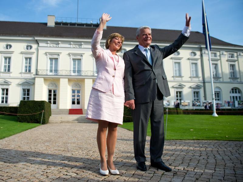 Joachim Gauck mit Großem Zapfenstreich verabschiedet