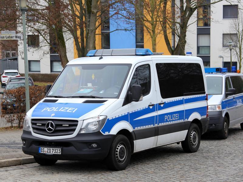 Spur führte in linke Szene: Polizei durchsuchte Wohnungen nach Angriff auf AfD-Landtags-Mitarbeiter
