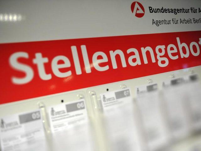 AGON Group Berlin - Berlin: Teamassistent (m/w) BASF Services Europe GmbH - Berlin: Bürokraft als Projektassistenz / Teamassistentz (w/m) in Berlin DB - Berlin: Mediaberater (m/w) Leverate Media - Berlin: Büromitarbeiter (w/m) Reederei Riedel - Berlin: Sales Advisor (m/w) auf flexibler Stundenbasis H&M - Berlin: Mitarbeiter (w/m) .