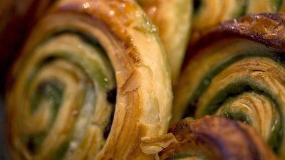 Kein Bargeld erlaubt: Bäcker Auer in Graz eröffnet erstes bargeldloses Geschäft Österreichs
