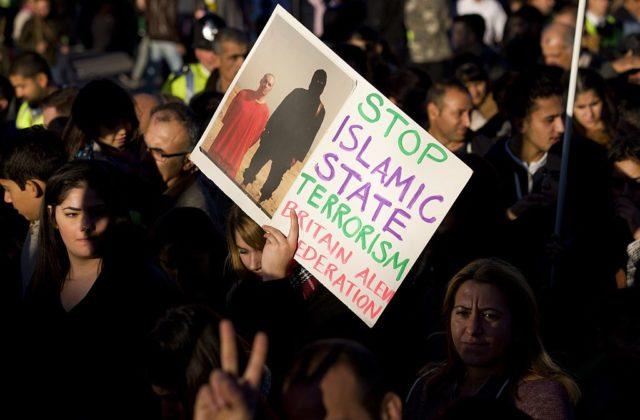 Eine Demonstration in London gegen Islamisten. Foto: JUSTIN TALLIS/AFP/Getty Images
