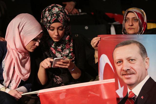 Anhänger des türkischen Präsidenten Erdogan in Deutschland. Foto: Adam Berry/Getty Images