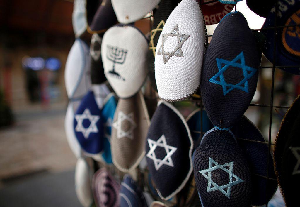 Ist Berlin für Juden wieder gefährlich? – Arabischer Israeli experimentiert mit Kippa und wird angegriffen
