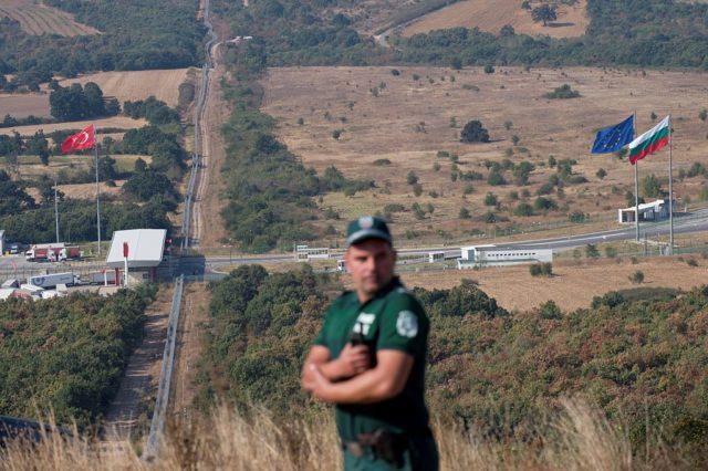 Bulgarischer Grenzpolizist Foto: NIKOLAY DOYCHINOV/AFP/Getty Images