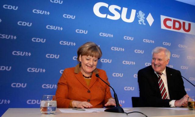 """CSU-Chef Horst Seehofer: """"Wir werden nur mit Angela Merkel diesen Wahlkampf gewinnen."""" Foto: Getty Images"""