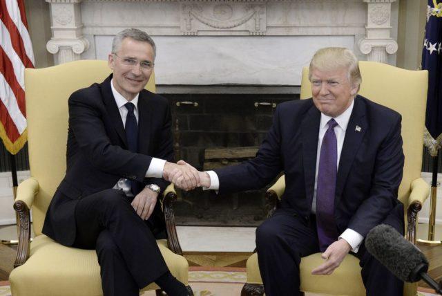 US-Präsident Donald Trump (r) und Nato-Generalsekretär Jens Stoltenberg Foto: Getty Images