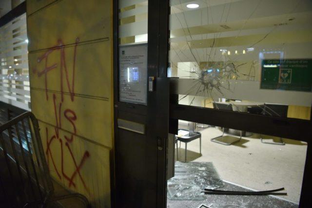 Anschlag auf die FN-Zentrale in Paris. Foto: PHILIPPE LOPEZ/AFP/Getty Images