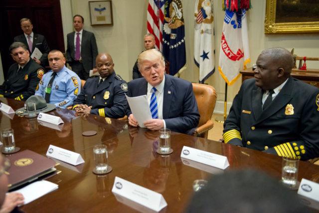 US-Präsident Donald Trump während einer Besprechung im Weißen Haus. Foto: Ron Sachs - Pool/Getty Images
