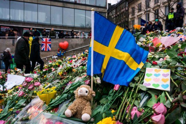 Gedenkstätte nach Anschlag in Stockholm, Schweden. Foto: JONATHAN NACKSTRAND/AFP/Getty Images