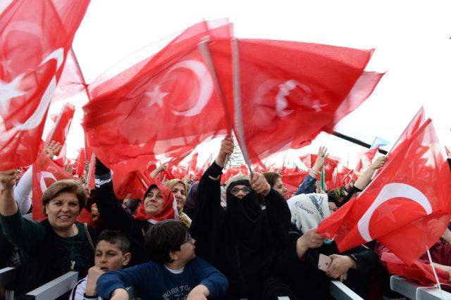 Unterstützer des türkischen Präsidenten Erdogan. Foto: Elif Sogut/Getty Images