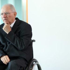 Schäuble gibt Merkel Mitschuld an Laschets schlechten Umfragewerten