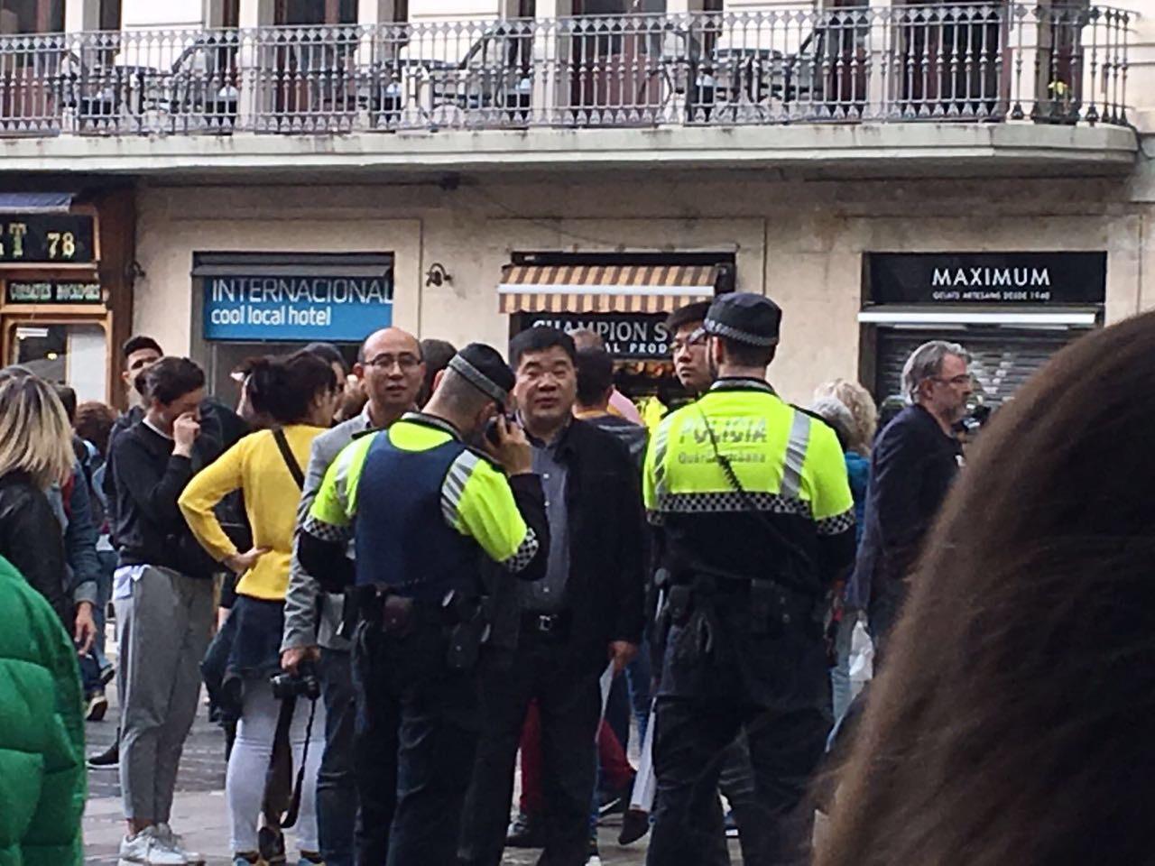 Wirbel um Shen Yun in Barcelona: Chinesische Botschaft organisiert bezahlten Protest
