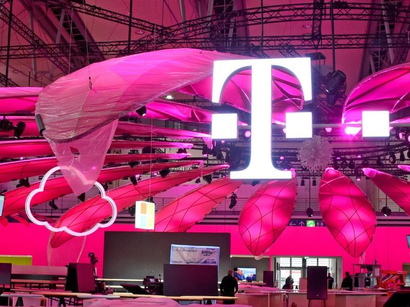 SafeTag-Tracker zur Kontaktverfolgung: Telekom plant Warnsystem für Betriebe und Events