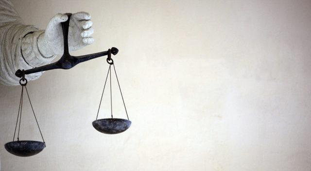 Justitiar Waage (Symbolbild). Foto: DAMIEN MEYER/AFP/Getty Images