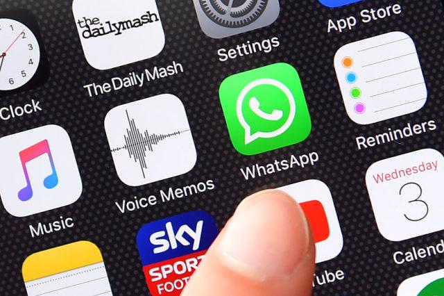 WhatsApp auf einem Handy. Foto: Carl Court/Getty Images