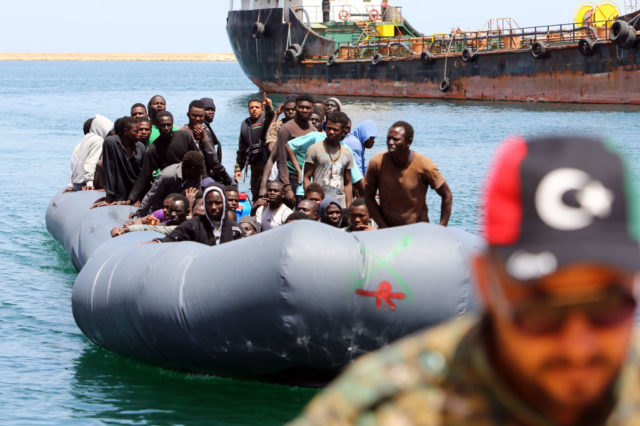 Illegale Migranten in Libyen. Foto: MAHMUD TURKIA/AFP/Getty Images