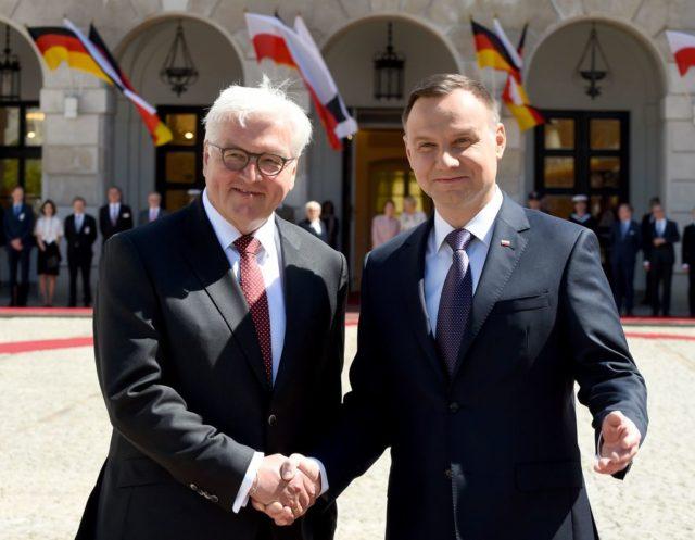 Der polnische Präsident Andrzej Duda und der Bundespräsident Frank-Walter Steinmeier in Warschau. 19. Mai 2017. Foto: JANEK SKARZYNSKI/AFP/Getty Images