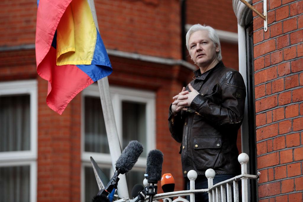 Assange sagt in Affäre um Ausspähung in Ecuadors Botschaft aus