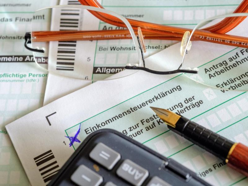 Jamaika-Parteien: Einkommensgrenze für Spitzensteuersatz soll angehoben werden