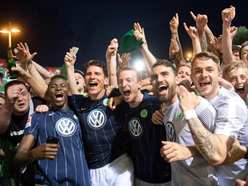 Gestörte Feier nach Wolfsburger Rettung in Braunschweig