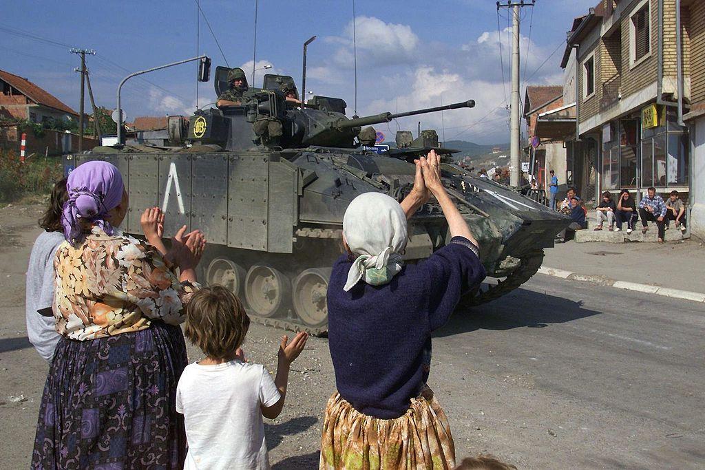 Jugoslawienkrieg: Serbischer Ex-Geheimdienstchef und sein Vize erneut vor Gericht in Den Haag