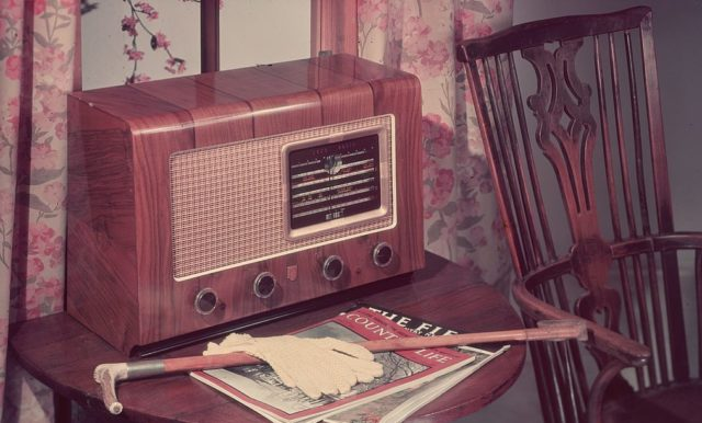 circa 1955: A wood veneer effect radio, suitable for a country home. (Photo by Chaloner Woods/Getty Images)