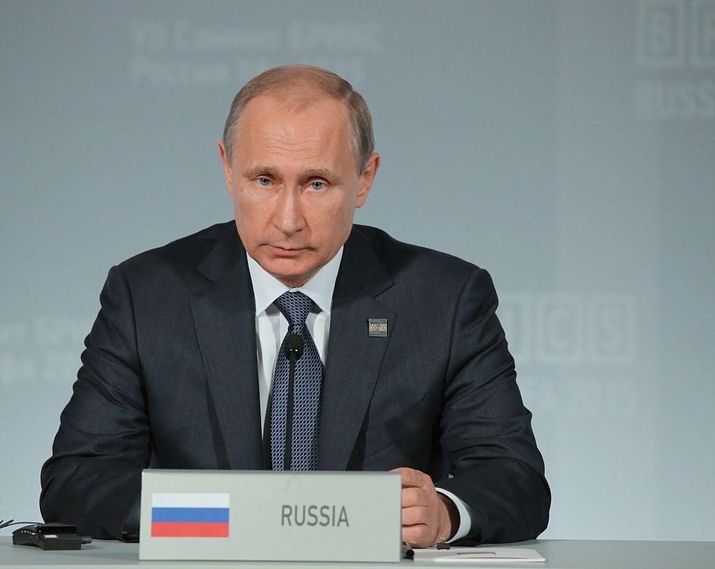 Putin bietet Comey Asyl an – Leakender FBI-Chef mit Snowden vergleichbar