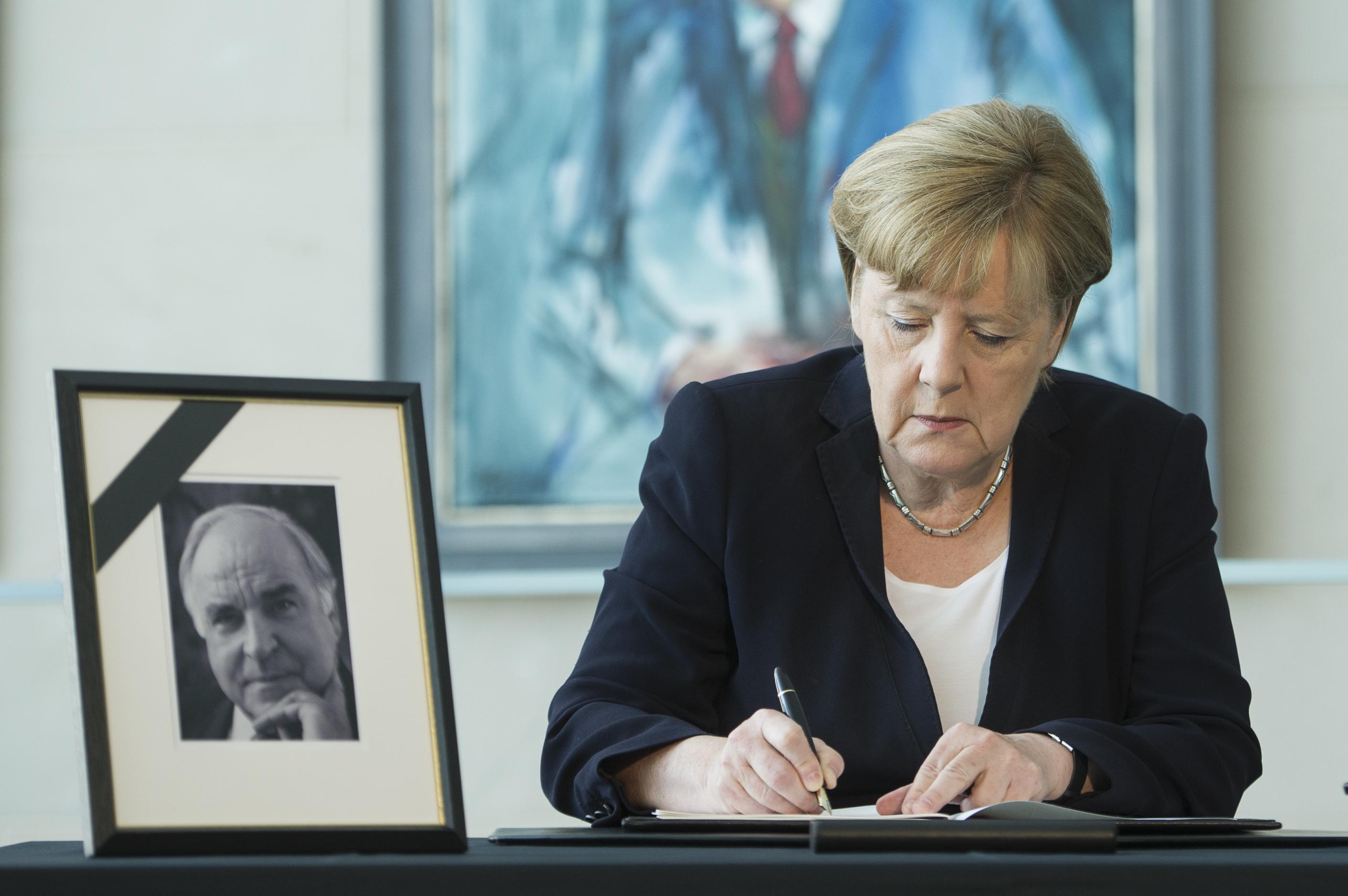 Wirbel um Kohls Trauerfeier: Witwe schlug Orbán als Redner vor – Stattdessen sprechen Merkel und Bill Clinton