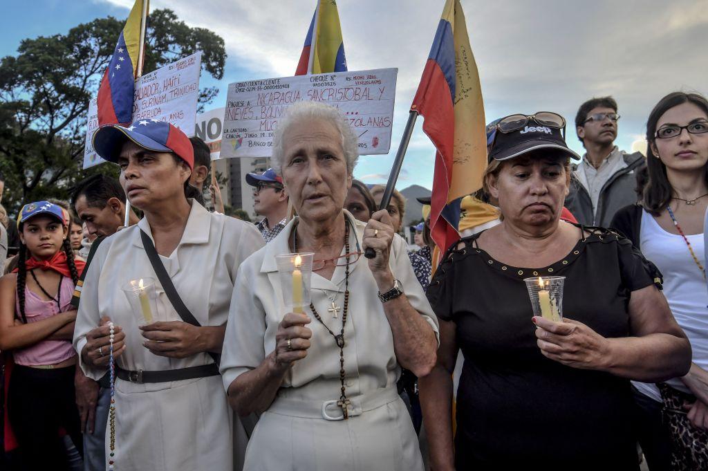 Venezuela: Erneut stirbt Demonstrant bei Protesten gegen sozialistischen Präsidenten – Regierung blockt weiter Absetzungsverfahren