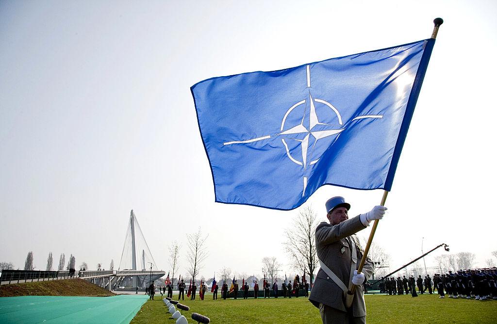 Nach Druck aus USA: Europäische NATO-Staaten erhöhen Verteidigungsausgaben deutlich