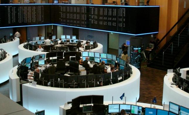 DAX setzt Talfahrt fort – Euro stoppt Höhenflug