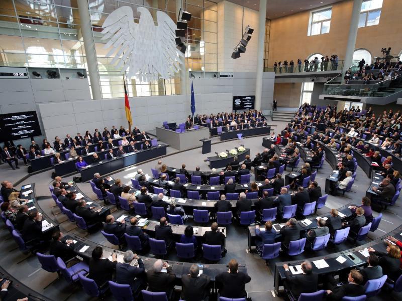 """Bundestag am Freitag: Abstimmungen über umstrittenes NetzDG und die """"Ehe für alle"""""""